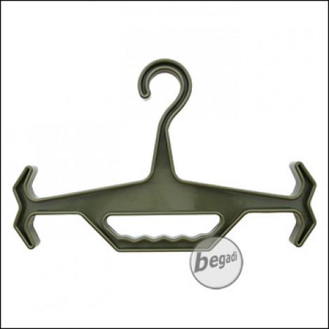 "Begadi Schwerlast Kleiderbügel / Armor Hanger ""Strongarm"", aus nylonverstärktem Kunststoff -olive-"